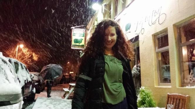 Vor meinem Lieblingspub im Winter 2014.