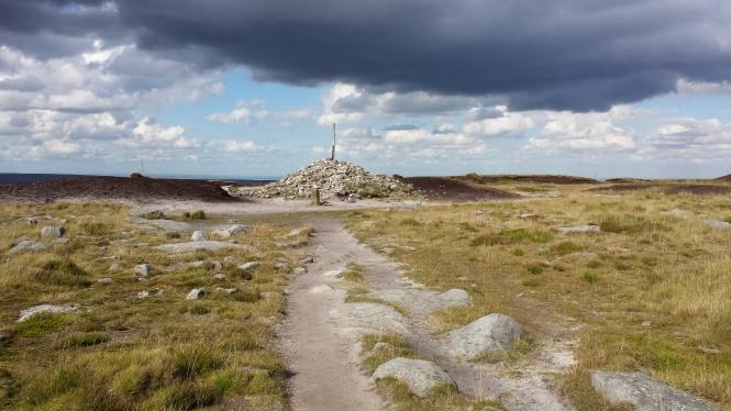 Der Gipfelpunkt von Bleaklow Head.